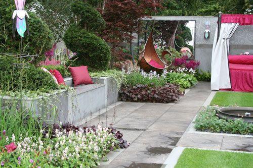 Funky garden furniture homes cottages decor furniture for Funky garden accessories