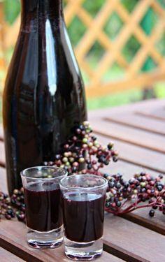 Bezová hopsinková šťáva (likér)