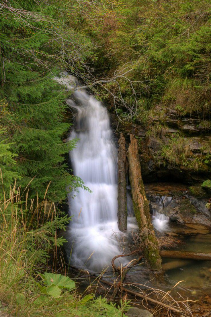 Cascada-Valul-Miresei