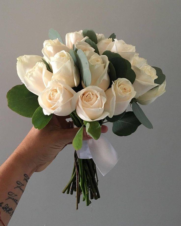 CBR430 wedding riviera maya ivory and silver dollar bouquet/ ramo con follaje y rosas crema