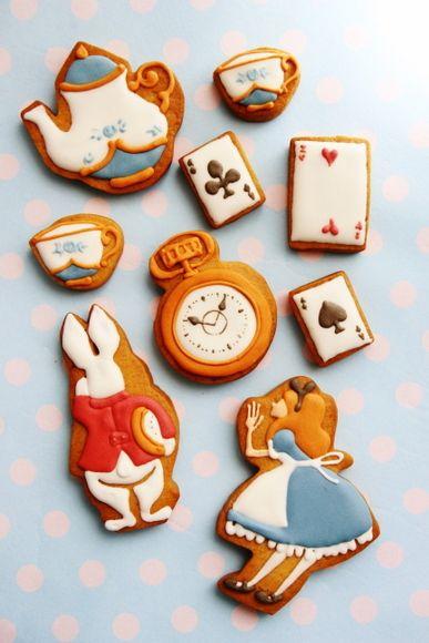 不思議の国のアリスのアイシングクッキー : 平日、会社を休んだら