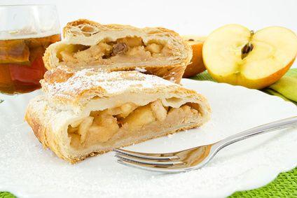Una gustosa, calda e semplice idea per le merende in #famiglia, particolarmente delicata grazie all'aroma dell' #ananas, un frutto leggero che favorisce la digestione e contrasta la ritenzione idrica.  Scopri le nostre #ricette: http://www.dimmidisi.it/it/dimmicomefai/fresche_ricette/article/torta_di_ananas.htm - #dimmidisi #ricetta #cucina #torta #cake #merenda #recipe #cooking #cuisine