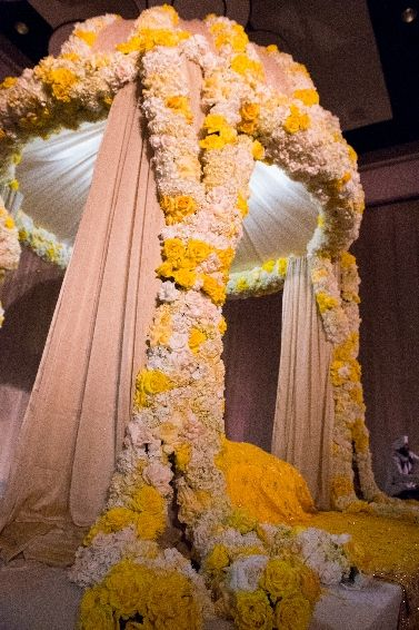 Yellow Mandap www.weddingsonline.in