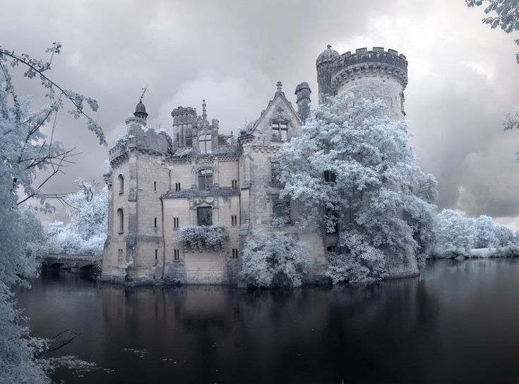Château de la Mothe-Chandeniers, France