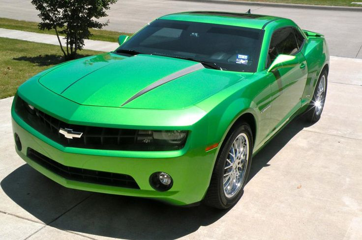 green chevy camaro | 2013 Green Chevy Camaro. I love this car and this is my favorite color on this car. SOOOO want one!!
