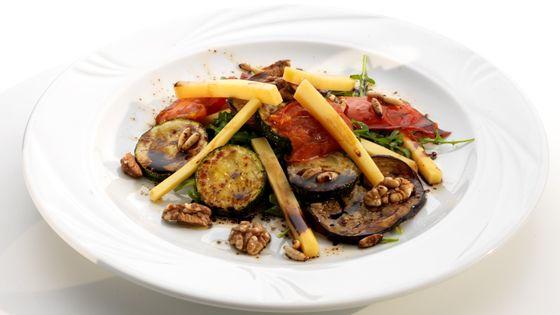 Salade van lauwe groenten met oude Noord-Hollandse Gouda - Pascale Naessens