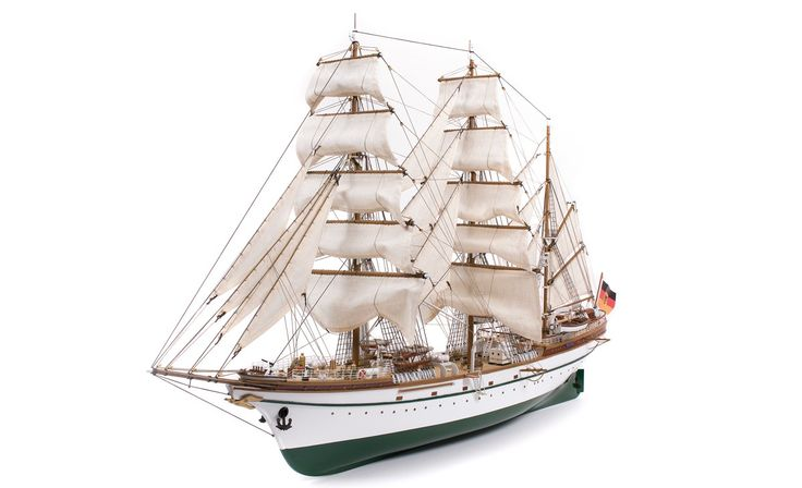 Training ship Gorch Fock. Crafts.