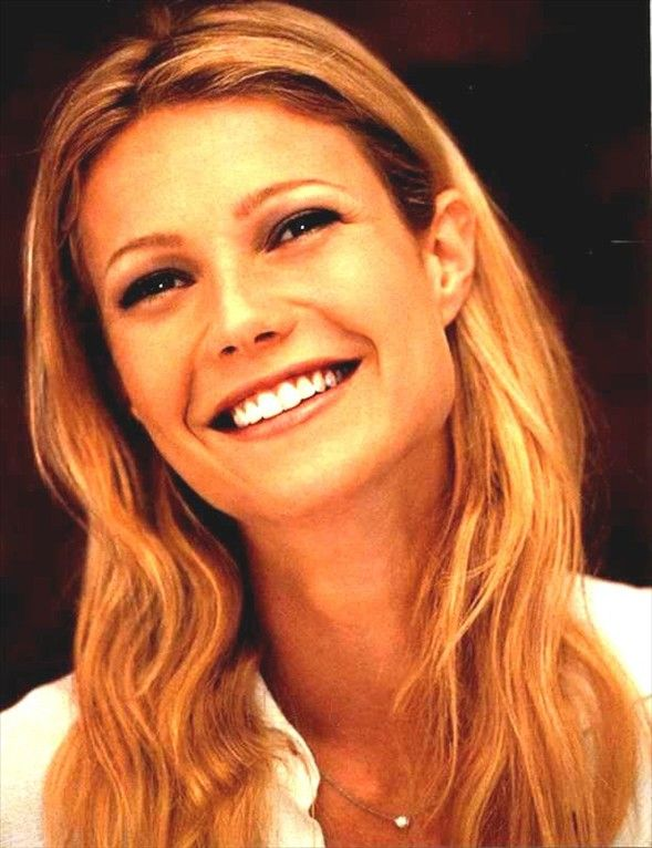 """Gwyneth Kate Paltrow is an American actress and singer. The winner of awards """"Oscar"""", """"Golden Globe"""", """"Emmy."""" Born in a family of film director Bruce Paltrow, a descendant of a large rabbinic kind Paltrovich from the Polish city of Nowogród"""