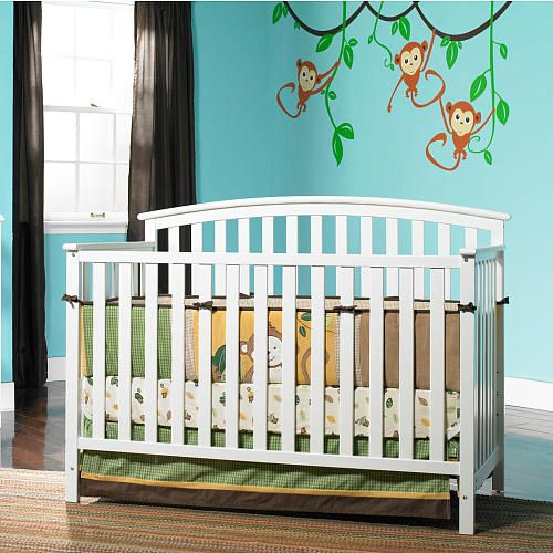 Carefully crafted, the 4-in-1 Freeport Convertible Crib is simple and functional. It practical design provides a transitional look for your nursery. It features stationary side rails for a safe sleeping environment for baby with a mattress platform that adjusts to three different heights depending on the age of your baby. This crib transitions easily to a toddler bed needed for, daybed and full-size headboard.<br><br>The Graco Freeport Convertible Crib - White Features:<br>&...