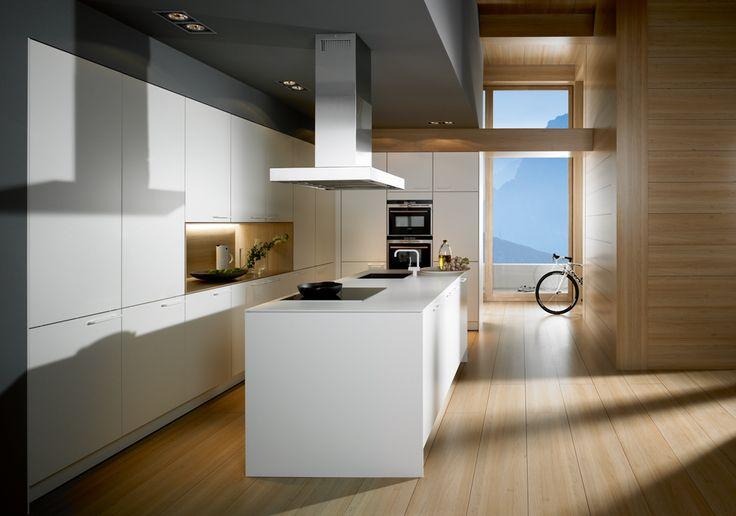 ... vloer met witte keuken andersom kan natuurlijk ook houten keuken met