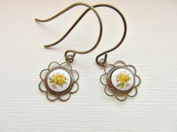 Dainty Vintage Yellow Rose Dangle Earrings in Antiqued Brass by BrassBotanical for $15.00 #zibbet #handmadeintexas #handmadeintx: Rose Dangle, Yellow Roses