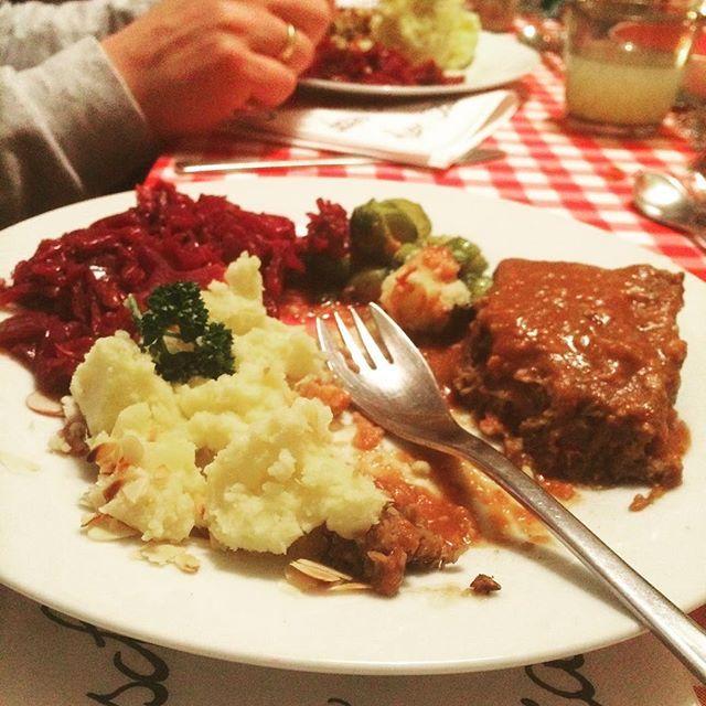 Der Hauptgang vom gestrigen #derveganskidinner in #düsseldorf - das Rezept für ein 4-Gänge #weihnachtsessen #festtagsmenü #vegan und #glutenfrei morgen im Blog! #happyholidays #merryxmas #veganmenu #veganwerdenwaslosdigga #vegansofig #instavegan #veganxmas