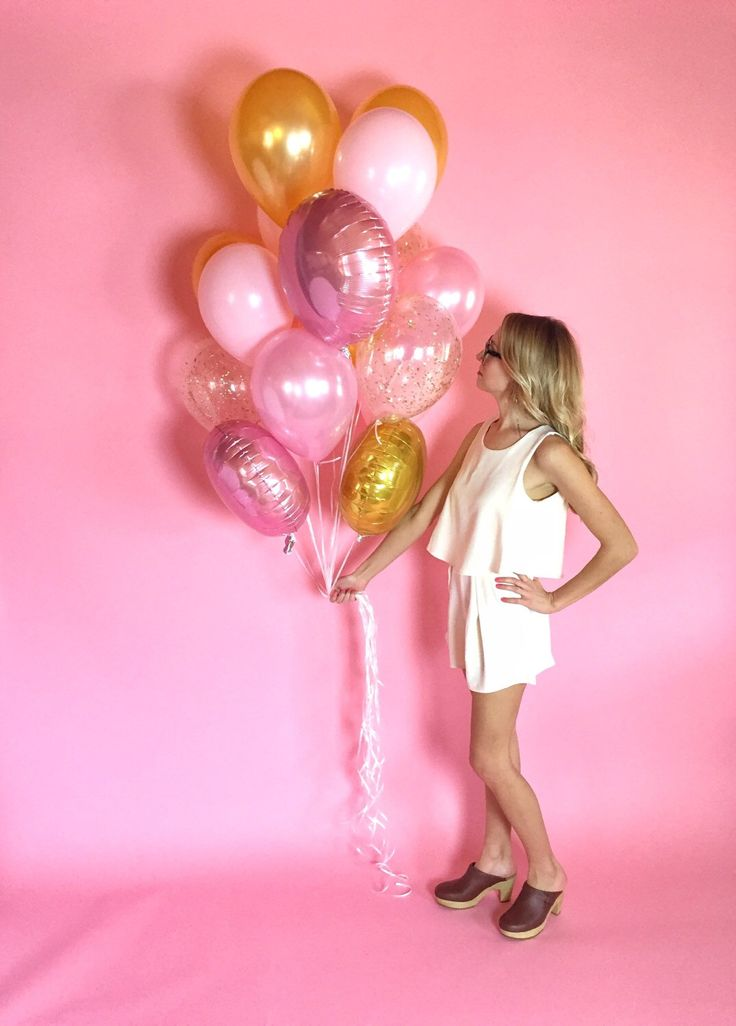 Pink + Gold Giant Balloon Bouquet | Confetti Balloons | FREE SHIPPING by LolasConfettiShop on Etsy https://www.etsy.com/listing/264564086/pink-gold-giant-balloon-bouquet-confetti