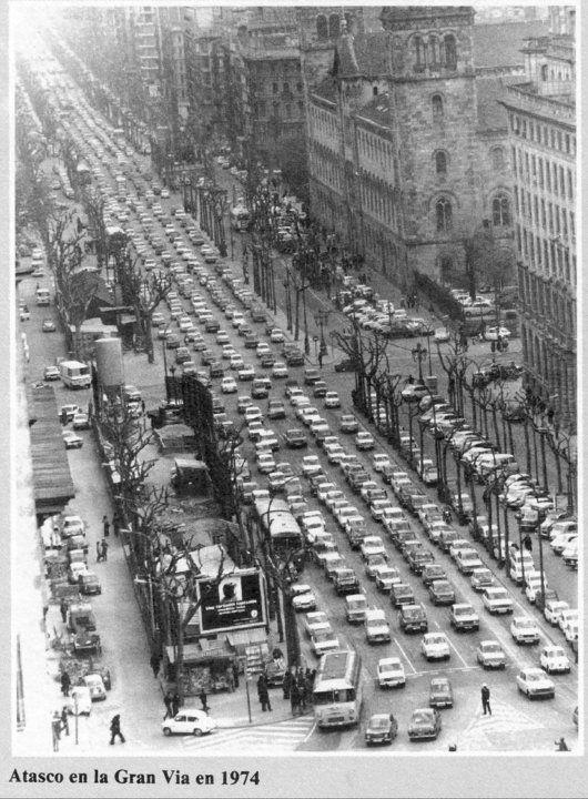 Atascos en la Gran Via, Barcelona 1974