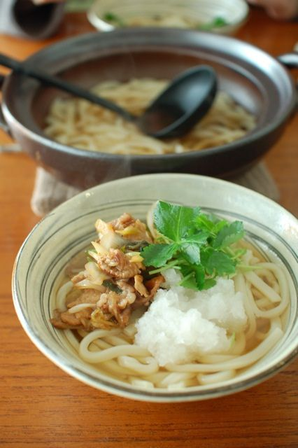 Japanese udon noodle soup 肉うどん