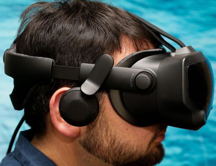 Valve Index Ergonomically Designed Vr Headset Was Created With Comfort In Mind In 2020 Vr Headset Black Friday Stores Black Friday Gift
