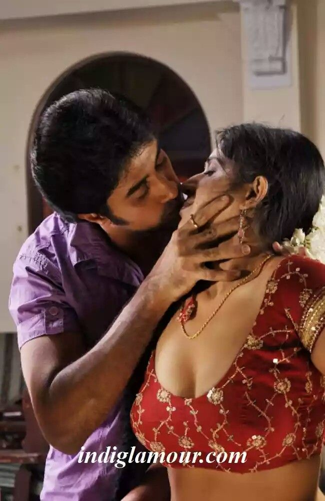 Tamil kiss hot