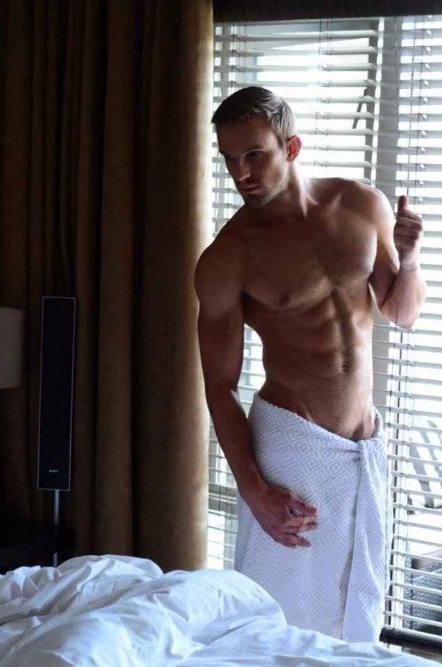 Male Nude Photo Shoot
