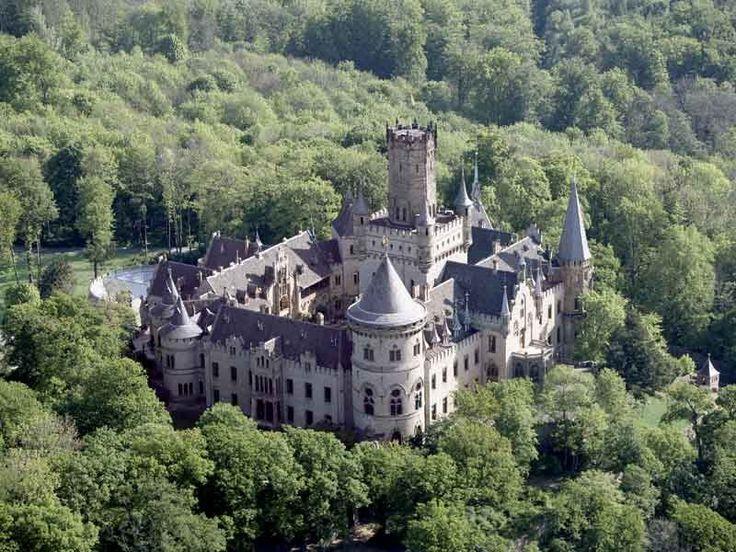 Luftaufnahme von Schloss Marienburg