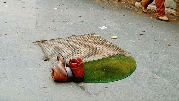 El 'efimeralismo' es un arte creado por el italiano Fra.Biancoshock, quien realiza obras en las calles con el firme propósito de generar conciencia social.