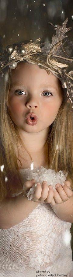 christmas.quenalbertini: Lovely Christmas Girl | PEH