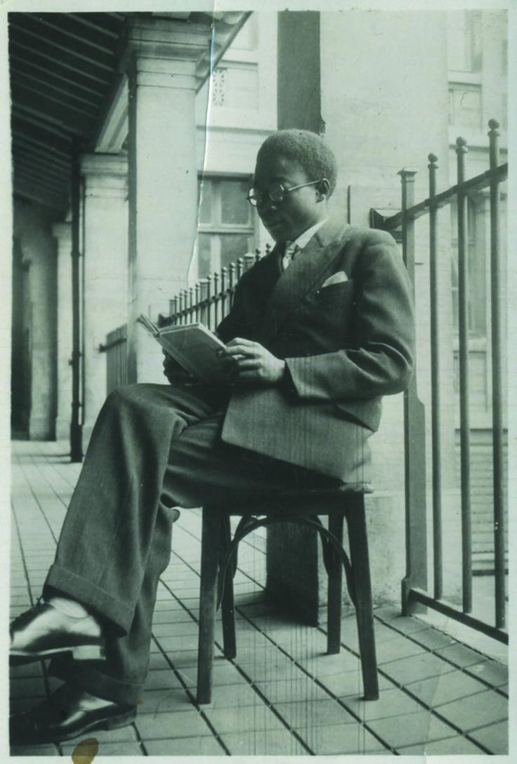 """""""Léopold Sédar-Senghor au lycée Louis-le-Grand"""", 1929 (DR) in """"La France Noire"""", Ed. La Découverte : Léopold Sédar-Senghor est un des pères de la Négritude, c'est aussi une des figures majeures du Paris noir de l'entre-deux guerres et le symbole de cette première génération d'étudiants venus d'Afrique."""