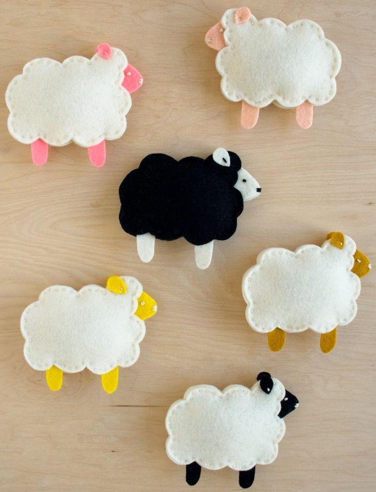 Little Lamb Finger Puppets Pattern