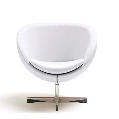 The Planet chair and table was first launched in 1965 and remained a part of the collection until the end of the 1970s. Planet was the first spherical chair in Norwegian furniture history. The name alludes to the first space journey in 1961 and the entry of Pop Art furniture onto the Norwegian market.