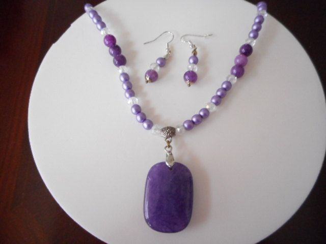 collar en gemas, collar para mujer, collar con aretes, collar , collar morado, collar para jovenes, de PekitasCreations en Etsy