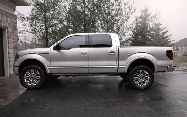 "Ford F150 Platinum - 35/12.5/20 2,2.5"" leveling kit"