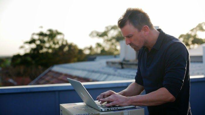 ZestDesk - The world's 1st portable adjustable standing desk (video)