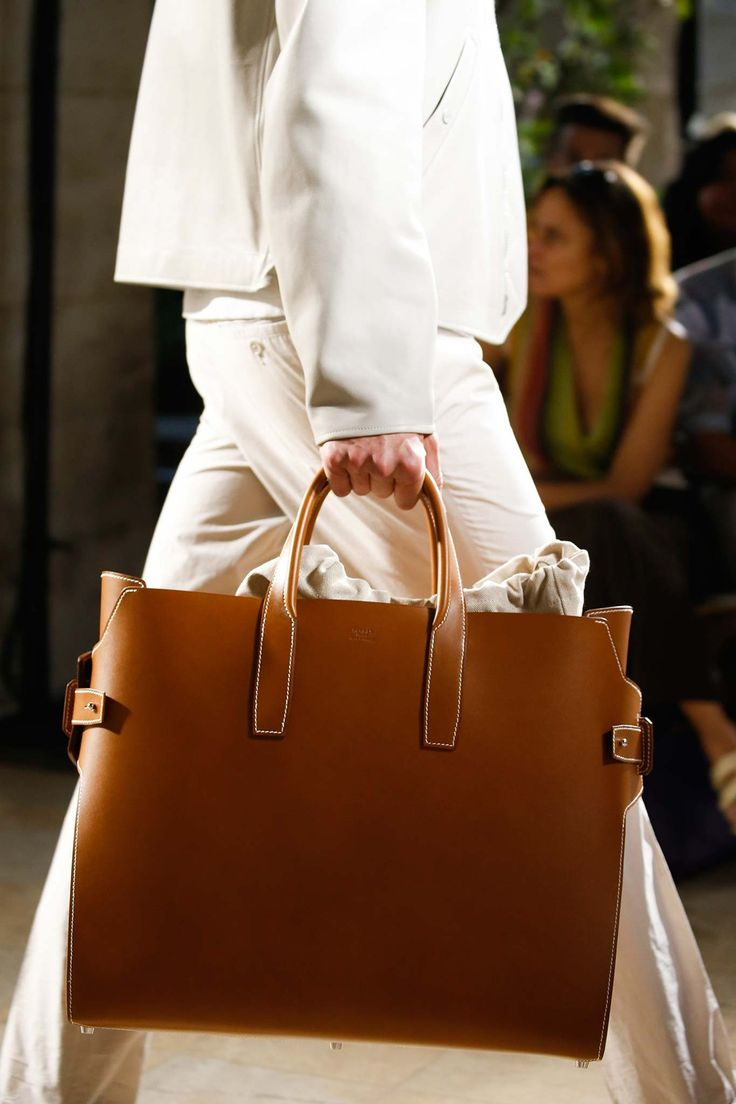 On the runway, Spring / Summer 2016 from Hermes #PFW #Menswear #SS16