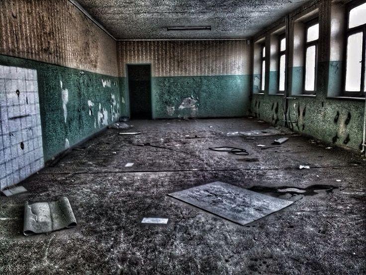 #abandoned#urbex#urbanexploration#beautyindecay