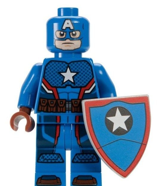 LEGO SDCC2016: Steve Rogers Captain America. A Marvel Super Heroes set released in 2016.