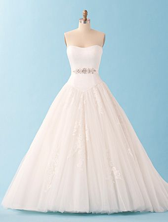 Alfred angelo disney princess cinderella wedding dress for Cinderella inspired wedding dress