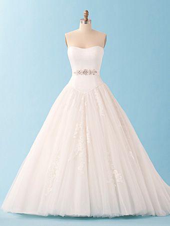 Alfred angelo disney princess cinderella wedding dress for Alfred angelo cinderella wedding dress