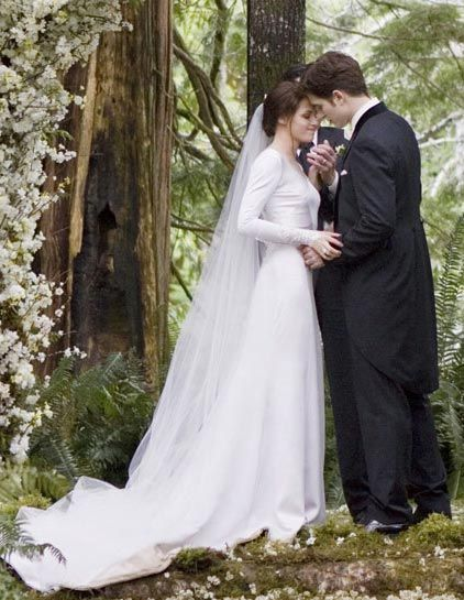 Bella's wedding dress. I loved it. And the who wedding scene in Breaking Dawn. Was so beautiful