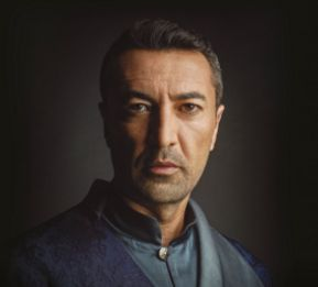 Mehmet Kurtuluş as Derviş Paşa-the secret lover of Handan Sultan....