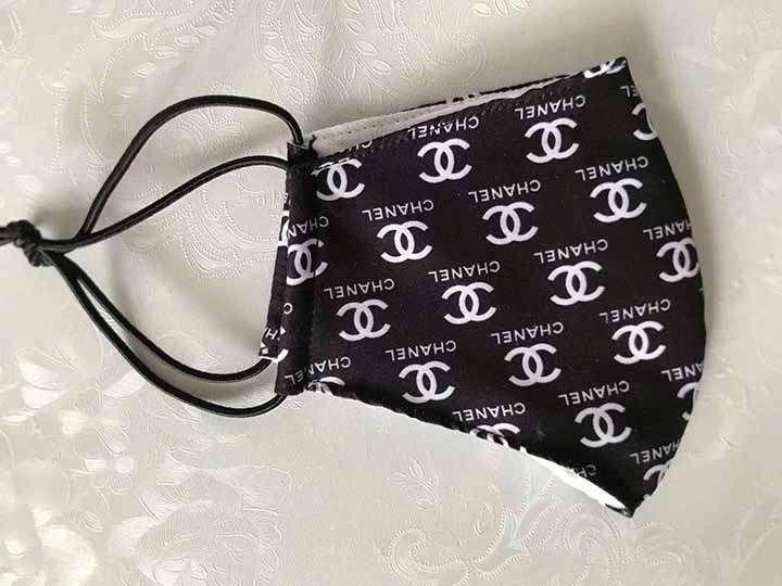 louisvuitton ルイヴィトン風 マスク シャネル Chanel グッチ GUCCI 立体 フェイスマスク 大人 洗える 埃対策 おしゃれ【2020】 | マスク かっこいい, シャネル, フェイスマスク