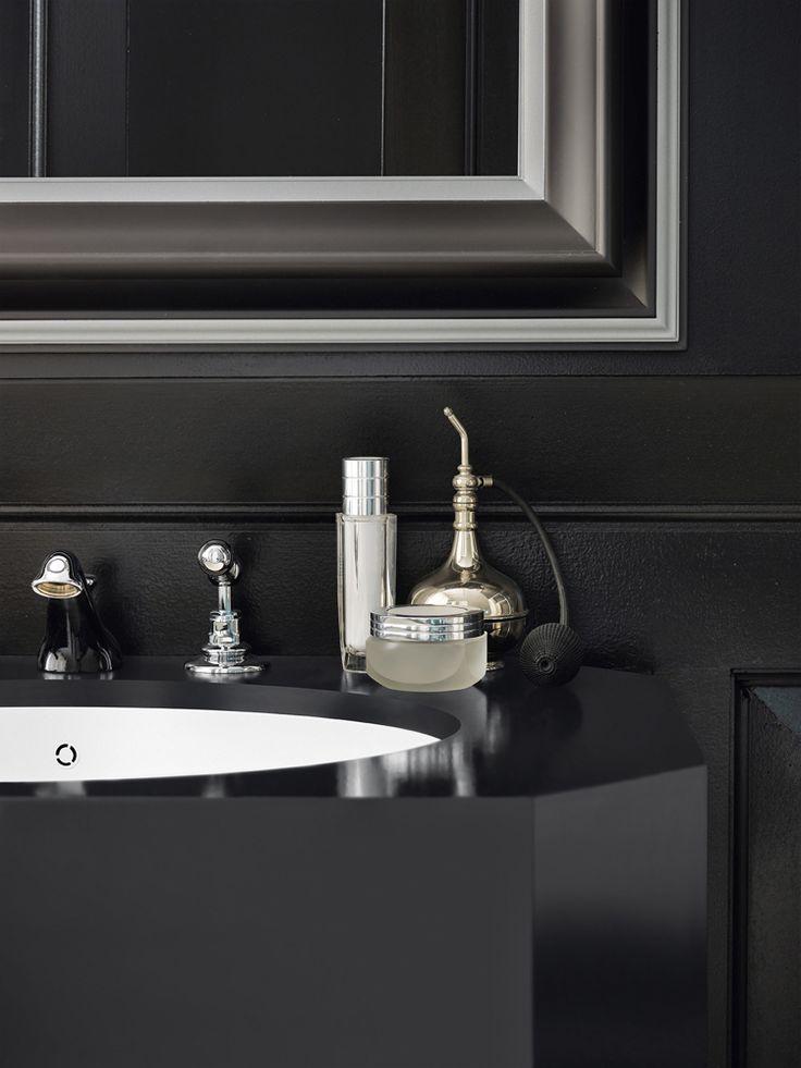 design handwaschbecken badezimmer schwarz schick accessoires chrome #badezimmer #bathroom #ideas
