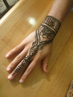 simple, pretty, hand, mehendi, henna, design