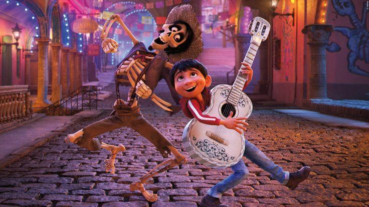 KINO: Das ist der 'Disney-Weihnachtsfilm 2017'! Hier den Trailer sehen! Der neue Weihnachtsfilm von Disney und Pixar hat alles zu bieten, was ihr Weihnachten im Kino sehen wollt. Hier den Trailer gucken! >>> https://www.film.tv/go/38358-pi  #coco #disney #weihnachten