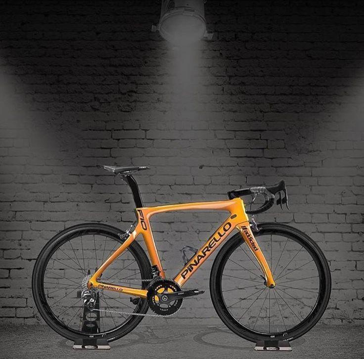 Pinarello F10 : Addictedbikes Credit: Loves Road Bikes