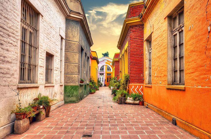 Cité en Barrio Bellavista, Santiago, Chile by Grafican  on 500px