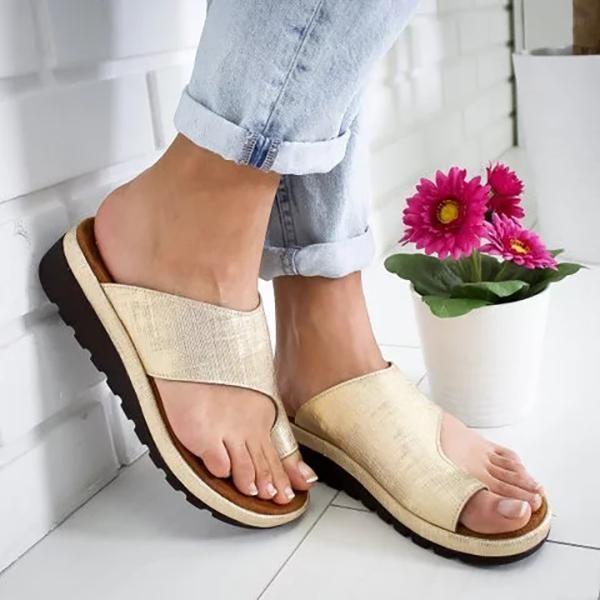 Toe sandals, Platform slippers