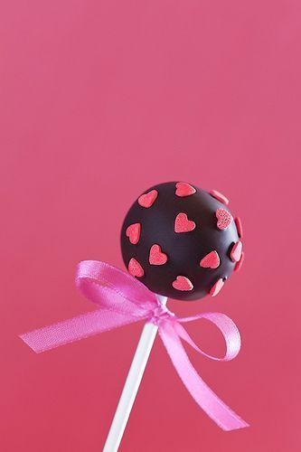 Para darle un amoroso mordisco... Decoración de cake pops con corazones