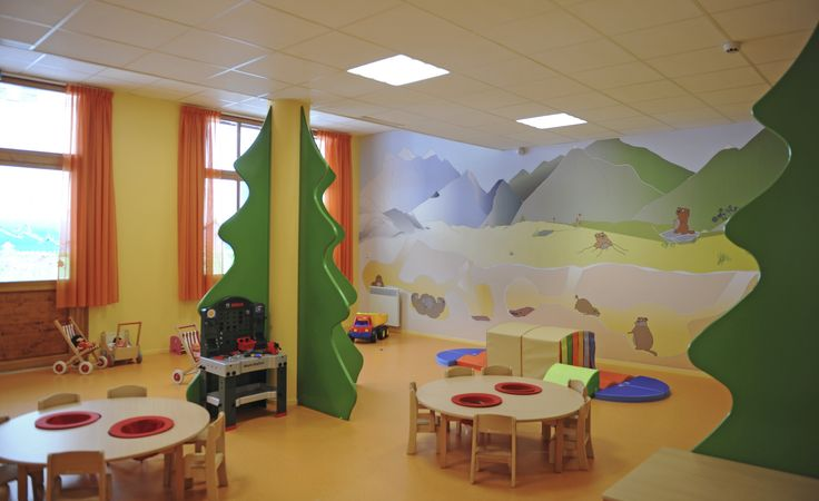 The little ones can discover adventure in the Mini Club, and play against beautiful murals of the mountains and towering pines. Bright natural light illuminates the room and creates the perfect ambience for fun activities and games.