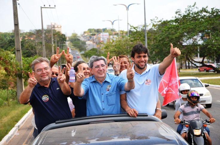 Washington Luiz faz carreata por avenidas de São Luis
