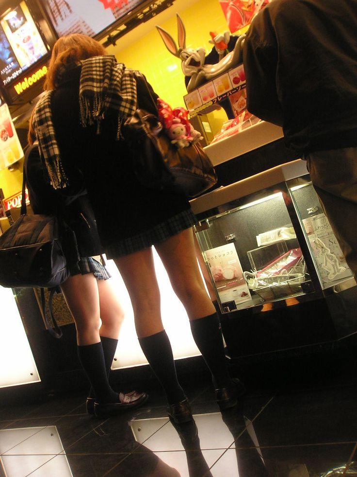 街で撮れた通学中のミニスカJK太もも(*´Д`) これは抜けるってのを厳選してみた!!! 10枚目