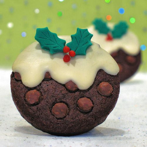 Christmas Pudding Cookies: Christmas Food, Chocolates Chips, Christmas Cookies, Cookies Design, Chocolates Cookies, Decor Cookies, Christmas Puddings, Christmas Treats, Puddings Cookies
